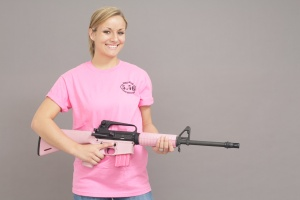 pink_shirt_rifle_3667