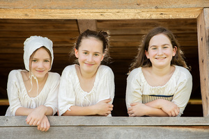 colonial_girls_D6A5987web