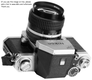 Nikon F with Photomic finder