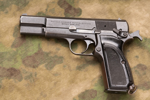 1935browning-hipower_DSC0001web